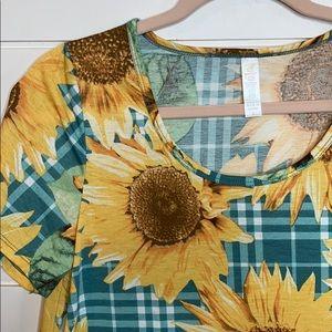 Lularoe classic tee sunflowers women's small
